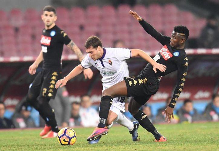 El Napoli se convirtió este martes en el primer semifinalista de la Copa de Italia al vencer 1-0 a Fiorentina. (AP)
