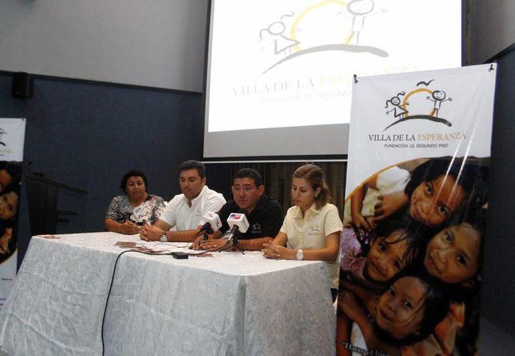 Directivo de la Fundación Villa de la Esperanza y de la Casa de Descanso de los Abuelos. (Christian Ayala/SIPSE)