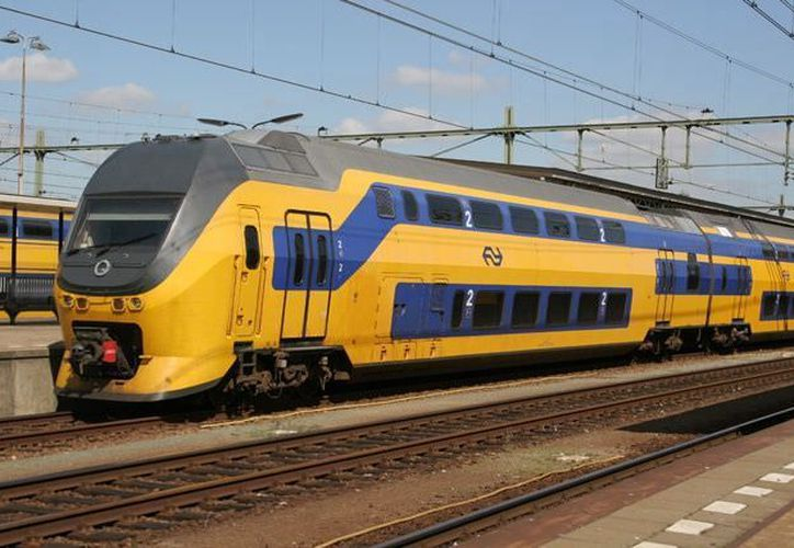 El tren no pudo evitar el impacto, ya que el transporte de los escolares al parecer, se había quedado sin frenos. (Diario Renovables)