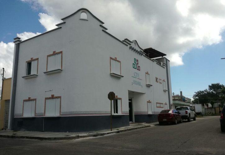 Los trabajos consisten en la construcción de un edificio administrativo y de servicios. (Joel Zamora/SIPSE)