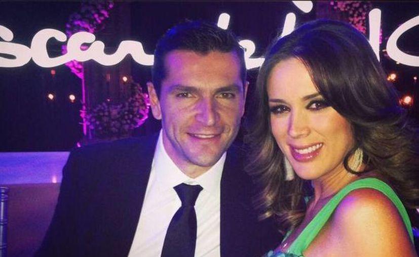 Jacqueline informó a todos sus seguidores que su esposo Martín y ella están felices de ser padres de una nena. (twitter.com/jackybrv)
