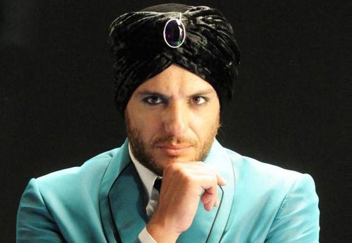 """""""El astro"""" cuenta con 64 capítulos, los cuales le llevaron a ganar el Premio Emmy en 2012 a Mejor Telenovela. (azteca.com)"""