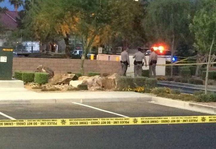 La mujer fue asesinada en el estacionamiento de una tienda llamada Walgreens. (ktnv.com)