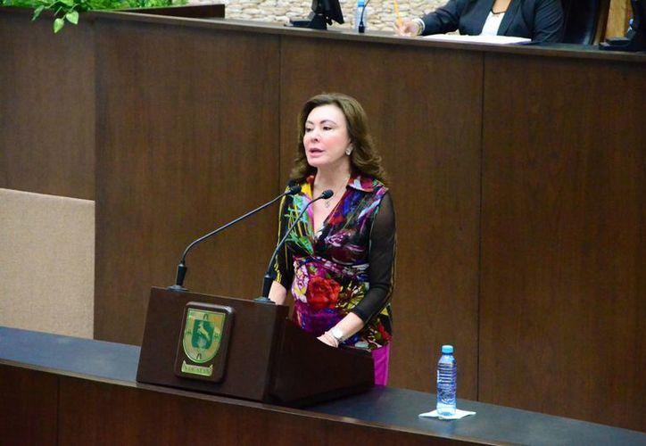 En el Congreso de Yucatán, la diputada por el PAN, Beatriz Zavala Peniche, hizo un llamado para aumentar los esfuerzos para lograr una igualdad sustantiva entre hombres y mujeres en todos los ámbitos de la vida social. (SIPSE)