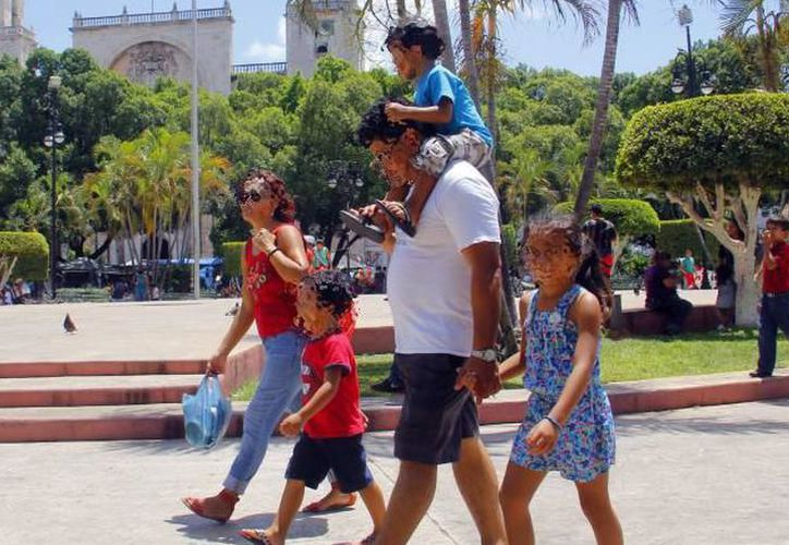 La Unión Nacional de Padres de Familia asegura que está comprobado por la Psicología que un menor requiere de los referentes masculinos y femeninos en su vida. (SIPSE)