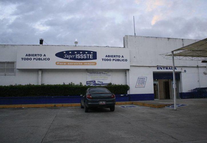 Durante varias administraciones no se invirtieron recursos para modernizar las tiendas. (Harold Alcocer/SIPSE)