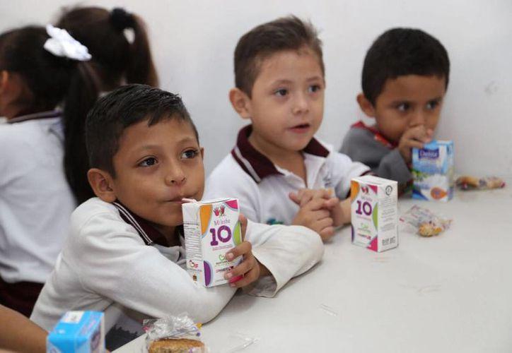 A la fecha se han beneficiado a niños en desayunadores escolares. (Cortesía/ SIPSE)