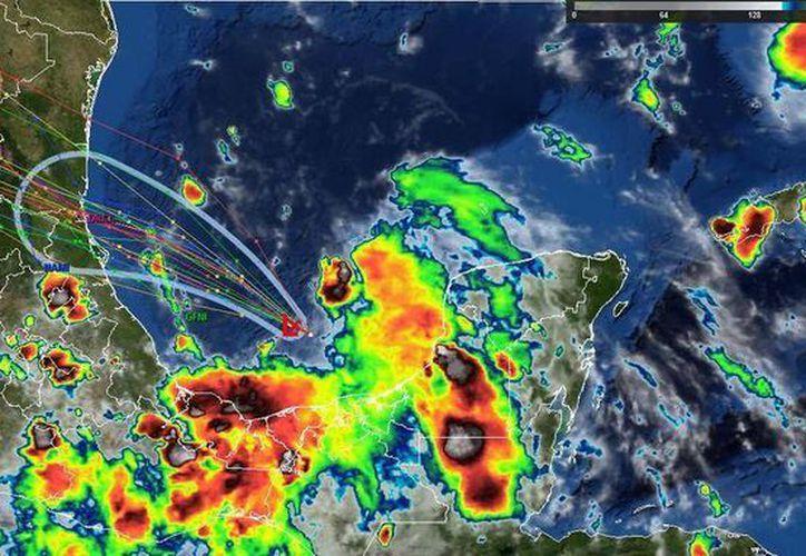 Paulatinamente la depresión tropical número cinco dejará de afectar la Península de Yucatán. (@ClimaYucatan)