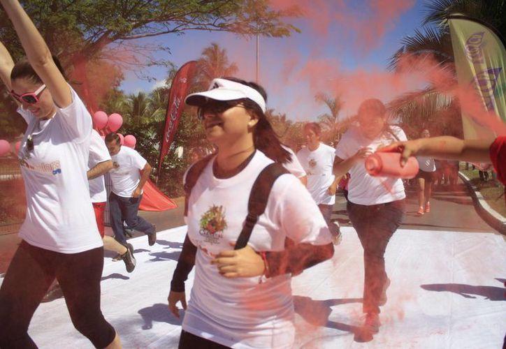 Durante la carrera, se utilizará pintura vegetal no toxica, la cual no representa ningún riesgo para los participantes. (Redacción /SIPSE)