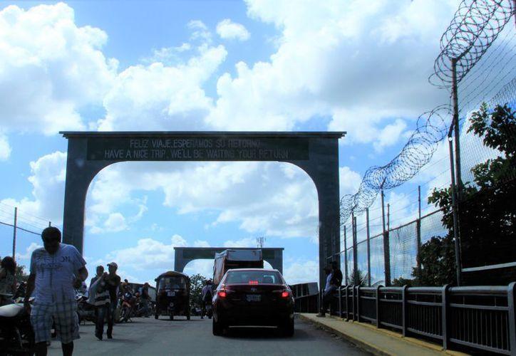 Las autoridades realizan inspecciones sanitarias en la frontera con Belice para prevenir la entrada del virus de mayaro y la fiebre amarilla. (Redacción/SIPSE)