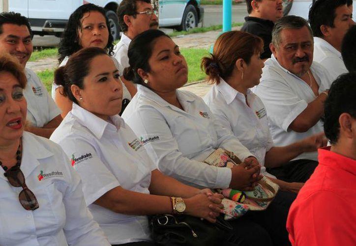 Trabajadores del Estado recibirán un bono sexenal y pedirán un aumento salarial. (Ángel Castilla/SIPSE)