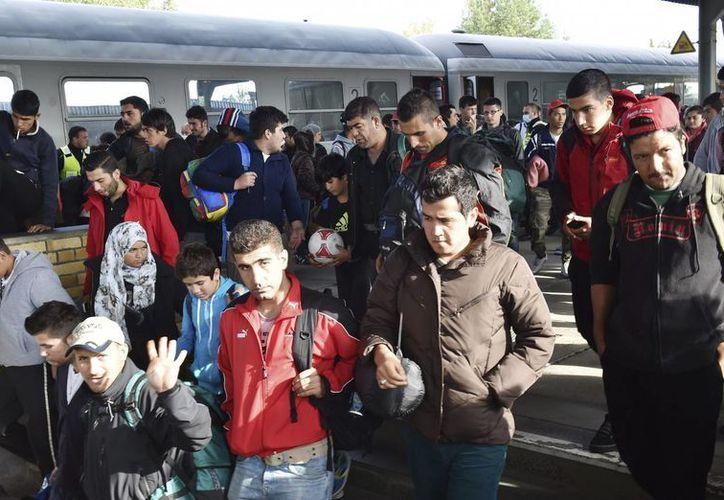 El prolongado conflicto bélico en Siria ha generado más de cuatro millones de refugiados en los más de cuatro años que lleva activo. (EFE)