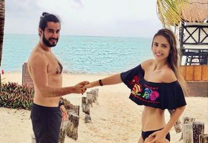 La actriz mexicana celebró en familia su aniversario de bodas. (Instagram)