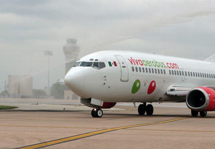 Una mujer denuncia que empleados de Viva Aerobus la trataron de mala manera cuando intentó abordar su vuelo a la Ciudad de México. (EnElAire)
