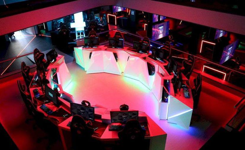 La sala de videojuegos Arena alberga consolas y pcs para que los usuarios se diviertan. (Foto: Arena)