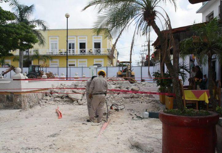 Los trabajos que se realizan para la remodelación del Parque Juárez han ocasionado molestias a comerciantes. (Irving Canul/SIPSE)