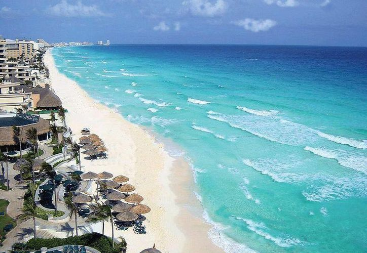 La máxima anchura de las playas de Cancún en 1970 era de 106 metros; en 2012 fue de 37 metros. (Cortesía)