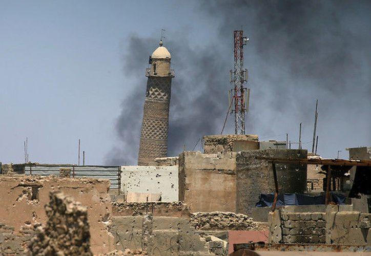 El edificio, famoso por su minarete inclinado, se encuentra al oeste de la ciudad. (RT)