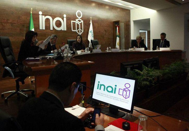 El INAI deberá aprobar, en un plazo de seis meses a partir de mañana, los lineamientos que regularán la forma, términos y plazos. (Germán Canseco/Proceso)