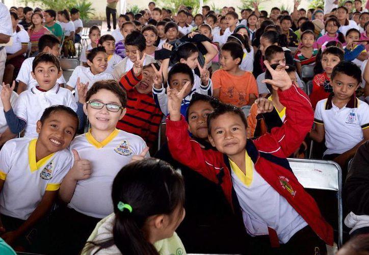 Los niños de las escuelas primarias de Playa del Carmen recibirán clases de forma gratuita. (Redacción/SIPSE)