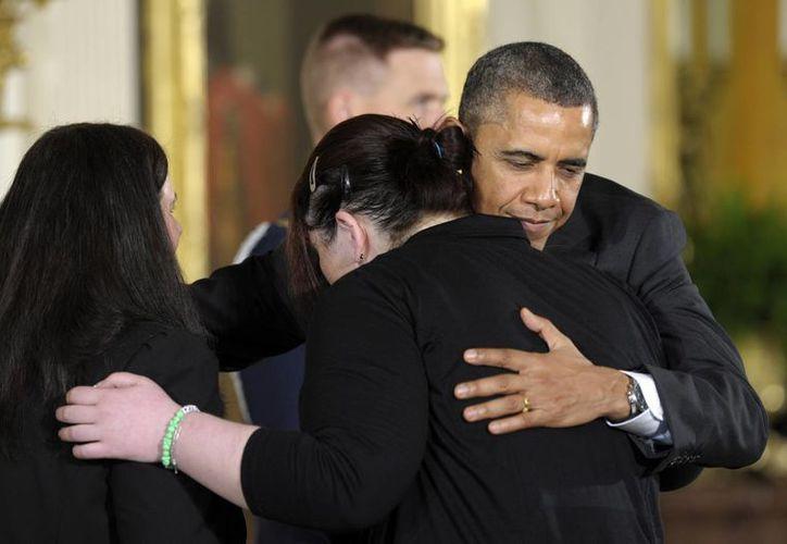 El presidente Obama encabezó un homenaje póstumo a las profesoras que murieron en Connecticut. (Agencias)