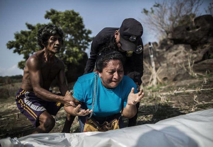 Al menos seis mil 657 personas fueron asesinadas en 2015 en El Salvador. (Agencias)