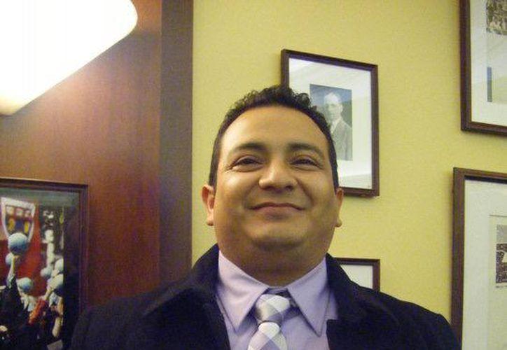 "Manuel Israel Alamilla Ceballos inició una ""guerra personal"" contra el colegio. (Internet)"