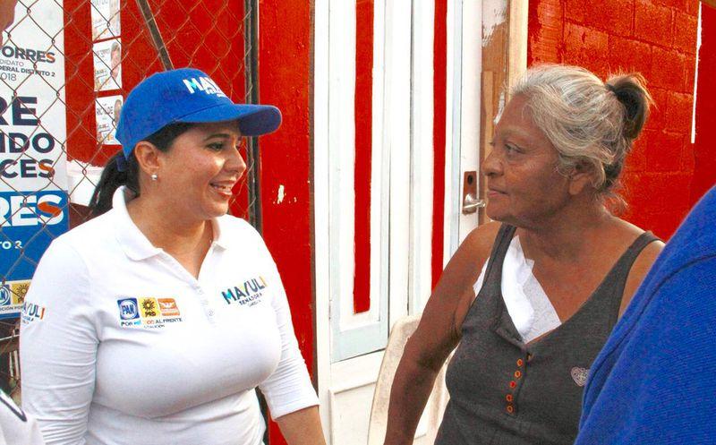 La candidata Mayuli Martínez señaló que redoblará esfuerzos para que conozcan los derechos de las mujeres y se sepan defender. (Foto: Redacción)