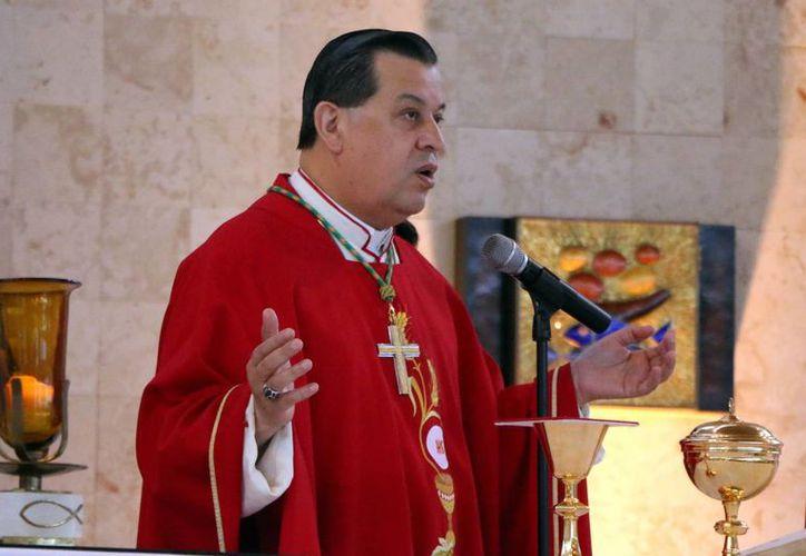 El Arzobispo de Yucatán, Gustavo Rodríguez Vega, fue invitado como uno de sus expositores en el foro denominado 'La Trata de Personas: El Impacto de la Crisis Global de Migración', aportando la visión de América Latina. (Archivo/SIPSE)