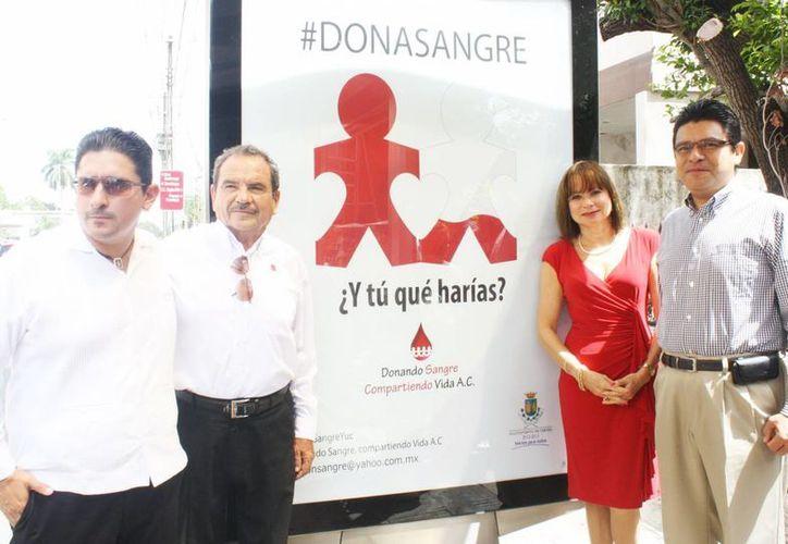 'Donando sangre, compartiendo vida' pide apoyar a sectores vulnerables como personas con cáncer, mujeres con parto difícil, niños en desamparo y a la tercera edad. (SIPSE)