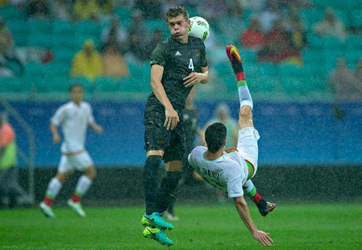 Imagen del primer partido de la selección mexicana en Juegos Olímpicos Río 2016, en el que empató a dos goles con Alemania. (NTX)