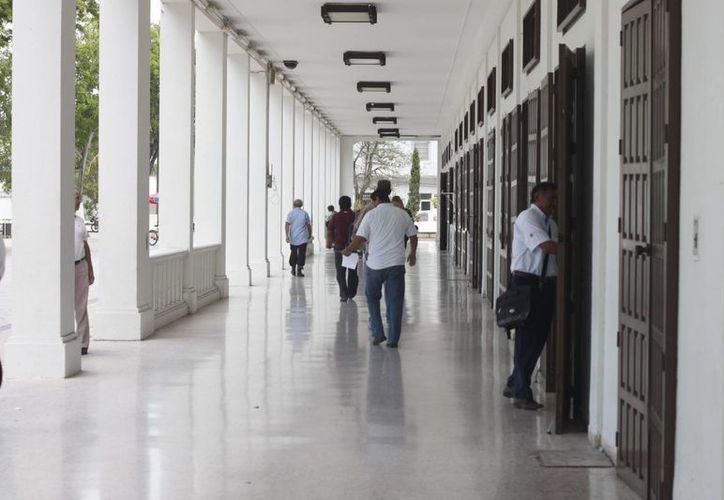 En 60 días se definirá el puesto de los trabajadores removidos. (Enrique Mena/SIPSE)