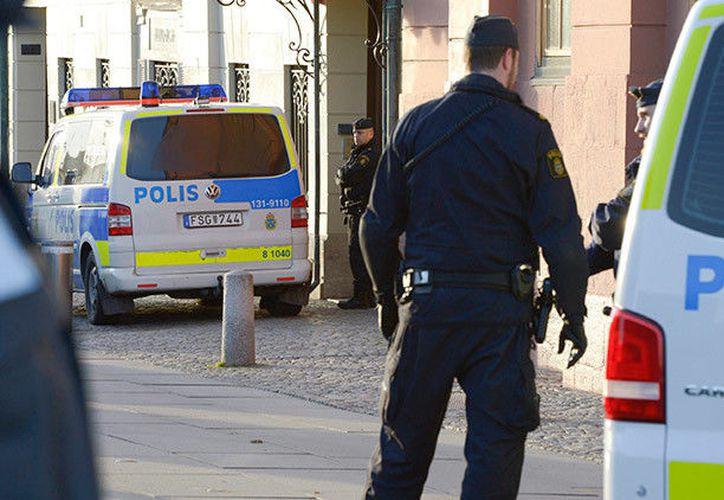 El suceso se ha producido en la calle Drottninggatan de la parte antigua de la capital sueca. (Twitter/@Expressen)