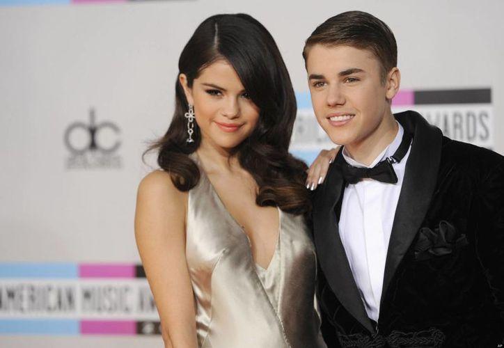 Justin Bieber y Selena Gómez en los tiempos felices. (Agencias)