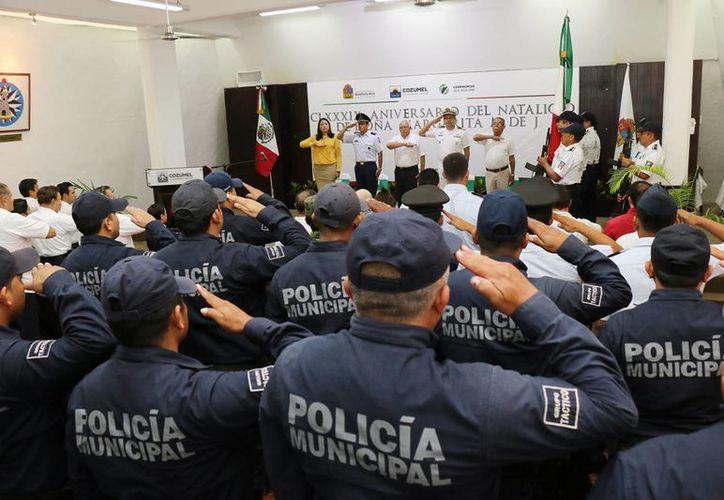 """El acto se efectuó en el salón """"Municipios de Quintana Roo"""". (Cortesía/SIPSE)"""