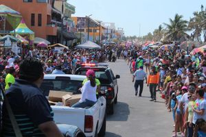 Sol, playa y carnaval en Progreso