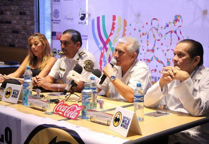 Imagen de la conferencia de prensa donde dieron a conocer la Carrera y Caminata del IDEY. (Milenio Novedades)