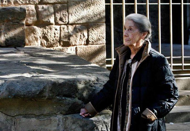 La escritora Nadine Gordimer, quien falleció hoy en Sudáfrica, ganó el Premio Nobel en 1991, y puso fin a una 'sequía' de estos reconocimientos para las damas. (Efe/Archivo)