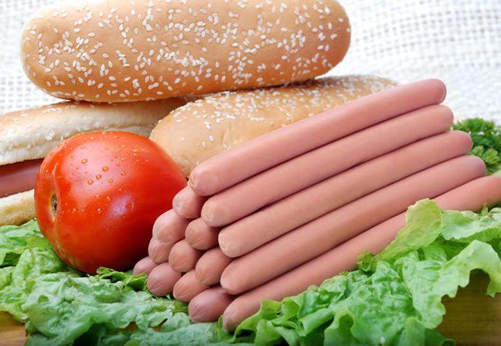 Las verduras, las carnes y otros alimentos pueden resultar infectados con la bacteria si entran en contacto con suelos o estiércol contaminado. (Contexto/Internet)