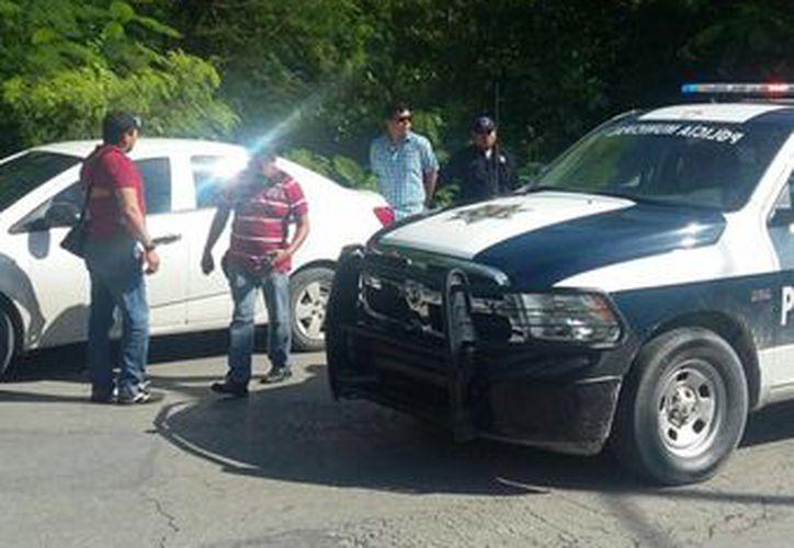 El cuerpo fue encontrado en un área verde localizada en la avenida Nichupté, en Cancún. (Redacción/SIPSE)