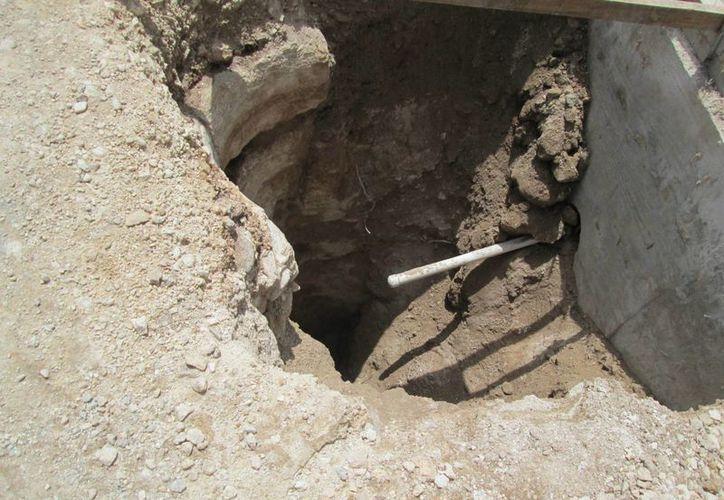 Los rescatistas removieron los escombros con cuidado y liberaron al trabajador. (SIPSE)