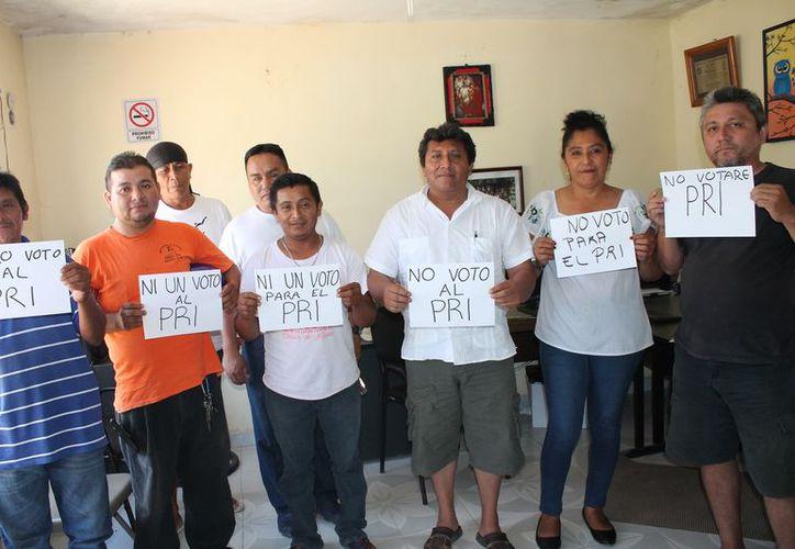 Señalan los cetemistas que no votarán por la planilla del PRI. (Raúl Balam/SIPSE)