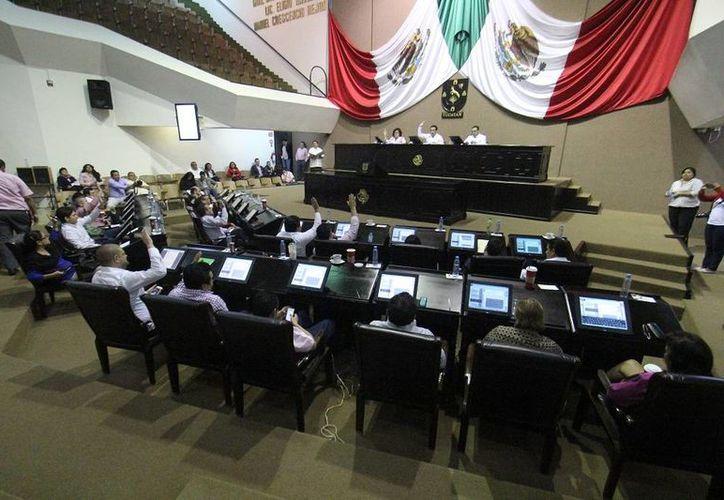 Diputados aprobaron este jueves el Paquete Fiscal 2015 en Yucatán. (SIPSE)