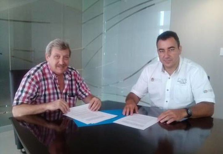 el director general de la CAPA, José Alberto Alonso Ovando, sostuvo una reunión con el titular de la concesionaria Aguakán, Roberto Robles. (Redacción/SIPSE)
