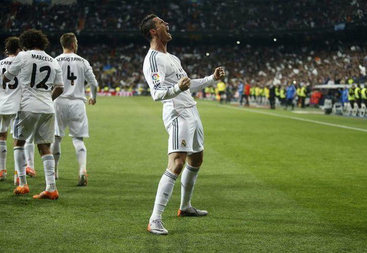 Para Cristiano Ronaldo, el físico inside en un 50% en el juego, y para eso, lleva una dieta estricta, libre de comida chatarra. (Foto: Agencias)