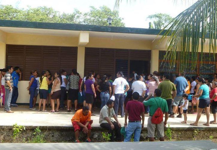 La reunión se realizó en el Centro de Bachillerato Tecnológico Agropecuario Número 186. (Raúl Balam/SIPSE)