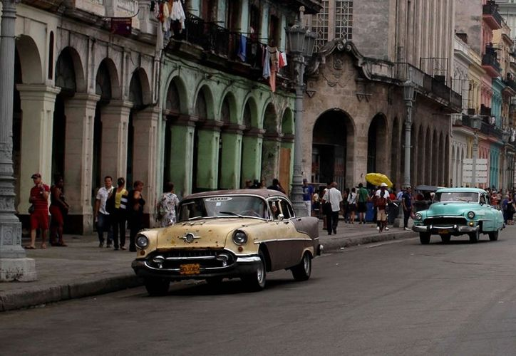 En el lapso analizado visitaron el país dos  millones 170 mil 067 turistas. (Archivo/AP)
