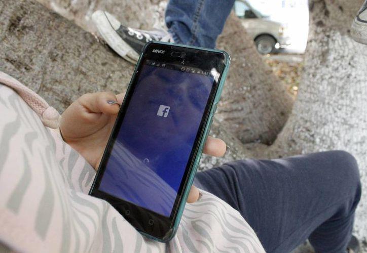 Más del 50% de las personas que usan conocen herramientas para proteger su privacidad en redes sociales. (Yajahira Valtierra/SIPSE)