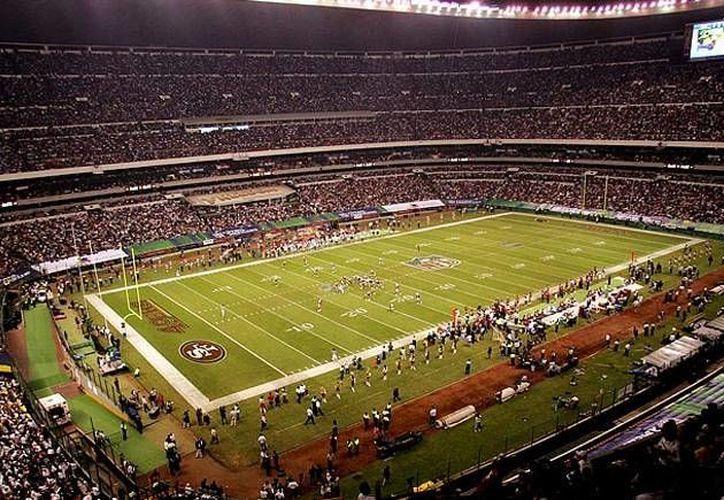 México podría ser sede el año próximo de un juego de la NFL, como ocurrió hace ya 10 años, en el Estadio Azteca. (futboltotal.com.mx)