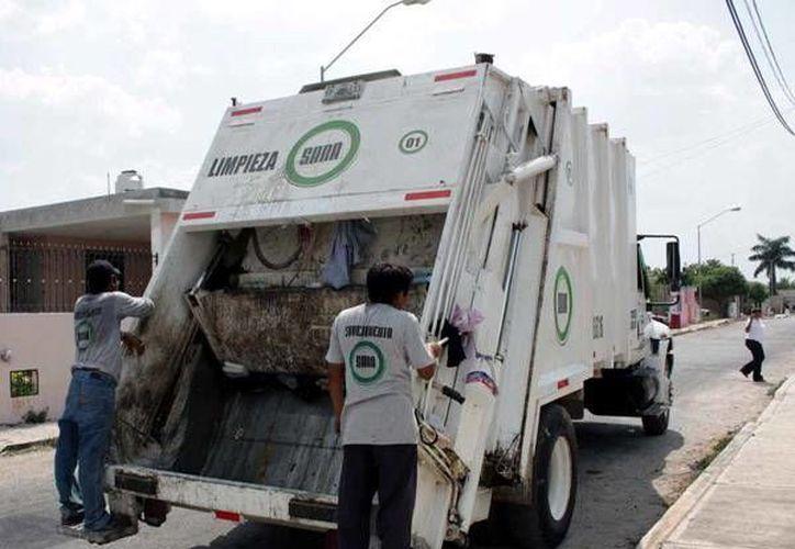 La empresa exige a los vecinos que no saquen más de una bolsa con basura por semana. (Milenio Novedades)
